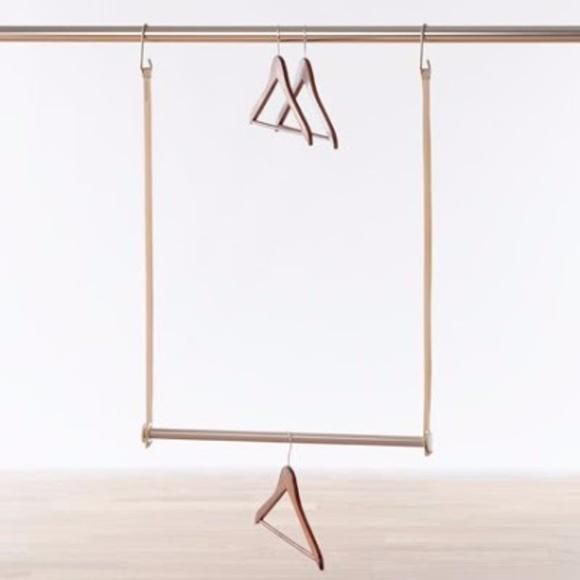 Closet doubling bar extendable hanging bar